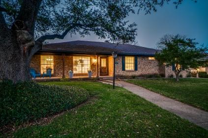 5547 Ledgestone Drive, Dallas